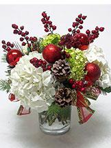 Christmas Centerpiece: Holiday Hydrangeas and Berries